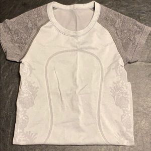 Gently used Lululemon tee size 4